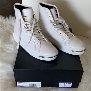 New Pia High Top Sneaker